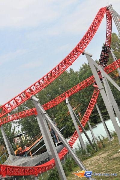 30/37 | Photo du Roller Coaster Ispeed situé à Mirabilandia (Italie). Plus d'information sur notre site http://www.e-coasters.com !! Tous les meilleurs Parcs d'Attractions sur un seul site web !! Découvrez également notre vidéo embarquée à cette adresse : http://youtu.be/UV_CN0pcxyU