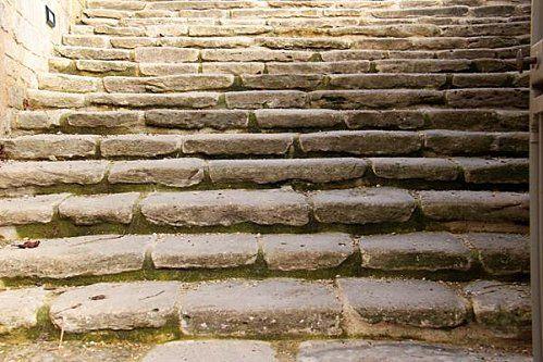 escalier classé de l'église d'Auvers-sur-Oise, France