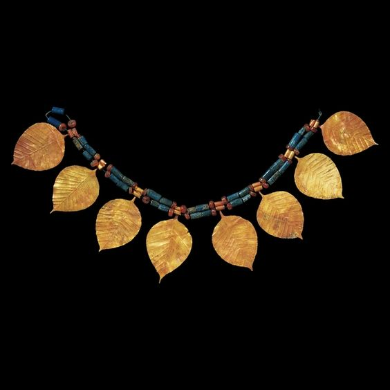 """jeannepompadour: """" Sumerian gold jewellery found in the tomb of a woman named Puabi at the Royal tombs of Ur, c. 2600-1400 B.C. """""""