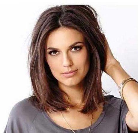 Mittellanges Haar Der Frauen Haarschnitt Mittellange Haare Frisuren Haarschnitt