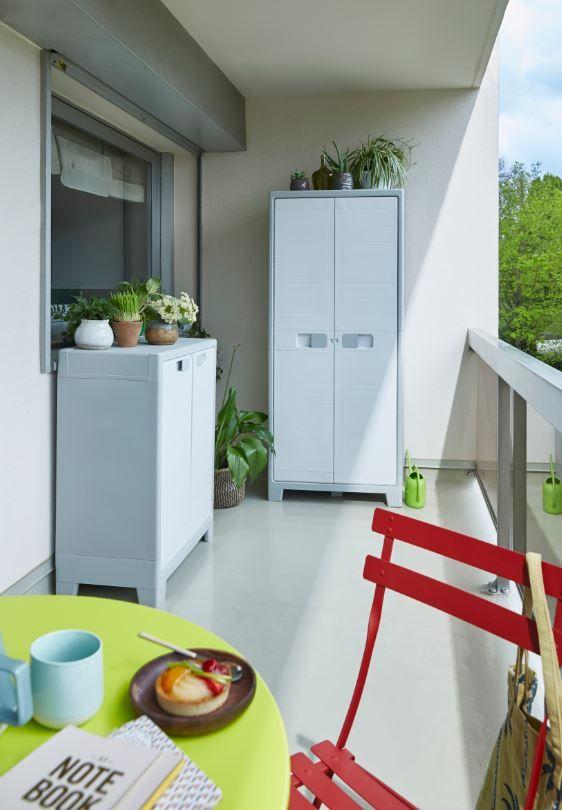 Augmentez Votre Capacite De Rangements En Installant Des Armoires Jusque Sur Votre Balcon Ou Votre Terrasse Casto Rangement Terrasse Rangement Balcon Armoire