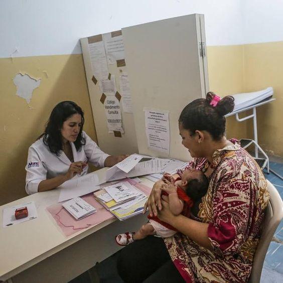 Homens abandonam mães de bebês com microcefalia em PE - Saúde - Estadão