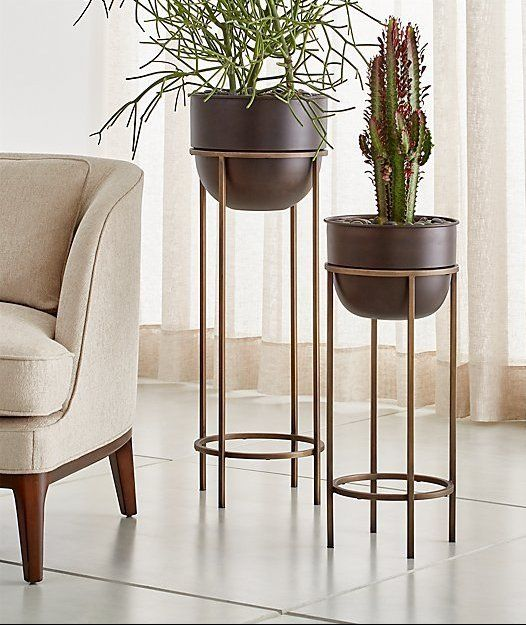 Wesley Metal Plant Stands Crate And Barrel Estandes De Plantas Vasos Decoracao Prateleiras Para Plantas De Interior