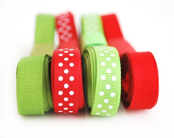 New to Mariapalito on Etsy: Christmas Ribbon set Red and Green Ribbon  3/8 inch Grosgrain Ribbon Holiday Collection solid and Polka dots (12 yards)  A484 (3.80 USD)