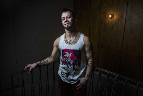 Le cantautore Víctor Gil, Viruta. Samuel Sanchez