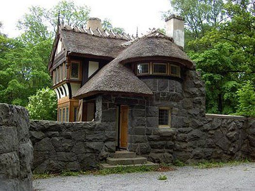 Stone home with turret and walls places i would love to see pinterest cool houses home - Cool cottage plans ...
