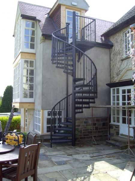 Name:  traditional-staircase.jpg Views: 3465 Size:  47.2 KB