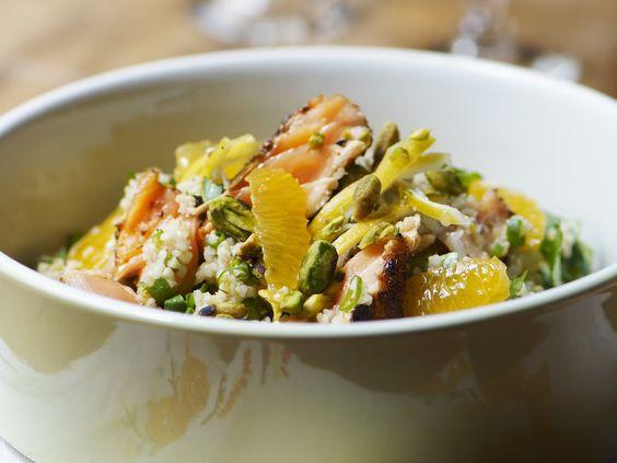 Bulgur-Lachs-Salat mit Mandarinen   http://eatsmarter.de/rezepte/bulgur-lachs-salat-mit-mandarinen