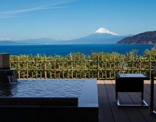思わず息を飲んでしまうような絶景に泊まってみませんか 今回は日本国内の一度は行ってみたい10の 絶景ホテル をご紹介します ホテル目当てに旅行に行ってみるのも楽しいかもしれません 絶景 温泉 旅