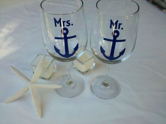 Mr. and Mrs. boat anchor wine glasses, nautical themed wine glasses for bride and groom wedding, navy blue