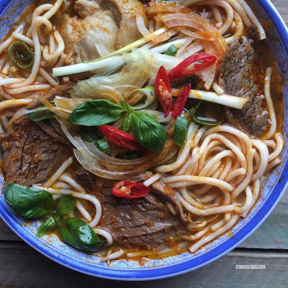 Wouldn't you love to dive into these gorgeous noodles? | Can You Make It Through This Post Without Drooling