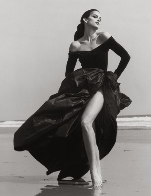 Herb Ritts ~ Cindy Crawford, Ferre 3, Malibu, 1993: Ritts 1993, Herb Ritts, Black White, Cindy Crawford, Crawford Ferre, Fashion Photography, Getty Museum