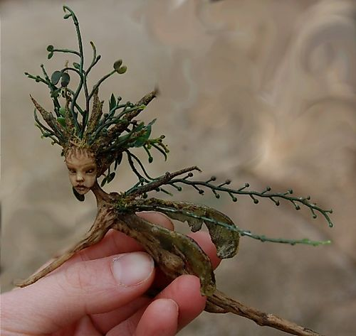 Faerie Folk Miniatures carved from roots.... amazing!