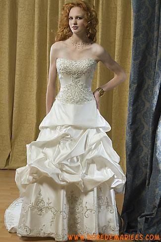 Robe de mariée bustier orné de perles cristaux satin