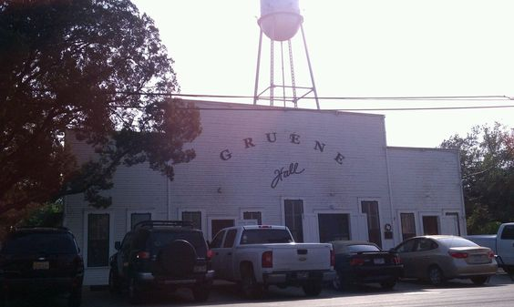 Gruene Hall Gruene Tx Keep Your Eye On Their Events Calendar Epic Tx Country Bands Go Through There Regularly Country Bands Great Memories Gruene Hall