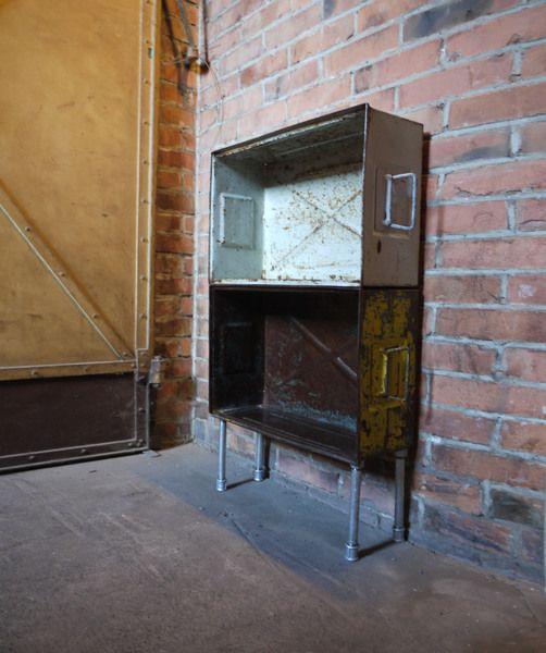 Loft Eisenregal, Industrial Regal, Weinregal, Bar von PRACHTWORKS auf DaWanda.com