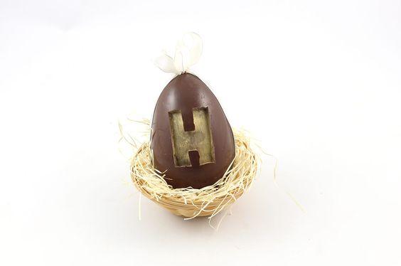 Oeuf H en chocolat. Poids : 130gr. Circonférence : 12cm
