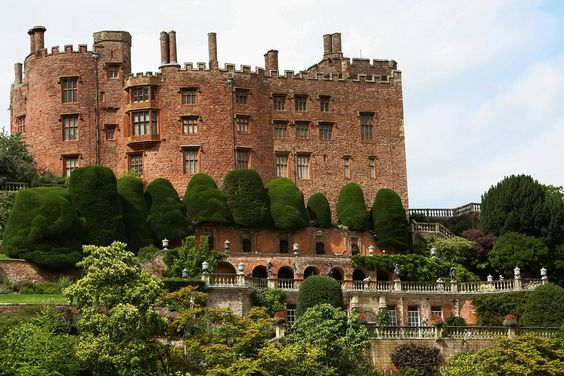Powis Castle, Powys. | 25 Places In Wales You Won't Believe Are Real