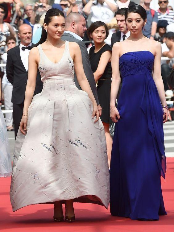 """Ayase Haruka e Kaho  As atrizes japonesas participaram da exibição do filme """"Our little sister"""", no qual atuam. AFP - AFP"""