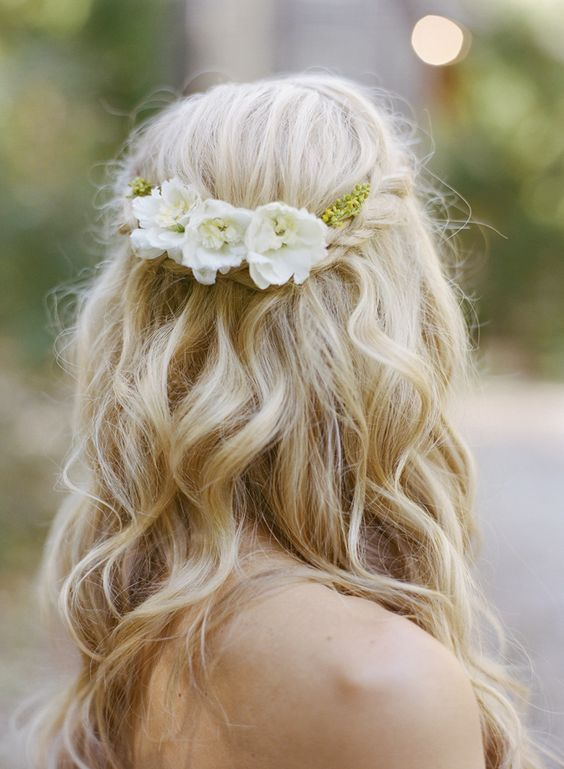 loose half up braid wedding hairstyle | photo: austingrosblog.com