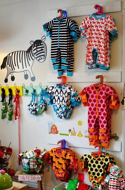 Display store interiors and the hanger on pinterest for Cute display pictures