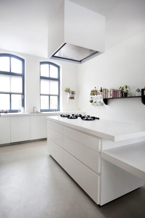 Greeploze Keuken Wit Mat : Industriële design keuken, mat wit gespoten Super trendy