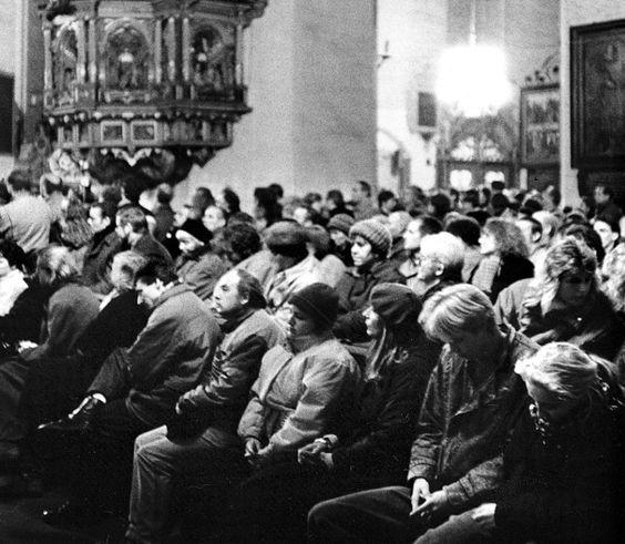 Andacht in der Marienkirche, Rostock, November 1989:   Am 26. Oktober, einem...