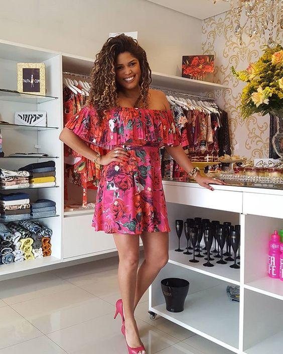 zpr Vestido MaravilhosoO @modacharry em duas estampas diferentes disponível aqui na Talita Cumi #Vem  Aposte e arrase 🌺☀❤ #Lançamento #Primavera #Verão #SS17 #News #Summer2017 #TalitaCumi #ModaFeminina #ModaTerapia #ModaCharry #InnocentiJeans #Jeans #Denim #InLove #Perfect #Top #Tendência #CharryLovers #Bloggers #Fashion #Lookoftheday #Charry #Ecommerce #VendasOnline #EcommerceDeModa