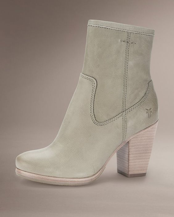 Nice looking boot....is that celery green....or do I just want it to be celery green......