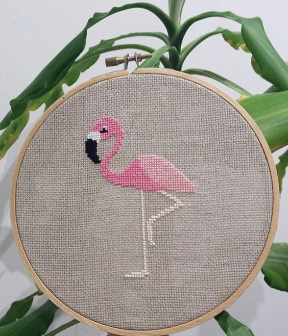 Flamant rose au point de croix / Broderie / Embroidery Flamingo
