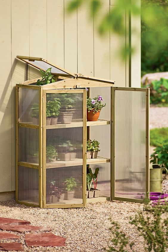 How to Build a Mini Greenhouse - for area of yard between deck and fence