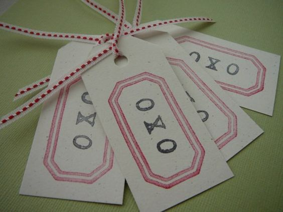 O X O hugs and kisses Valentine tags by petitepear on Etsy