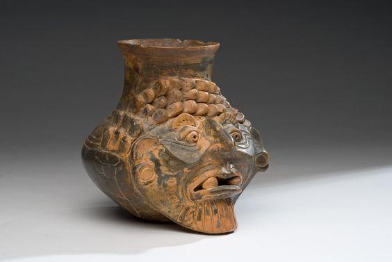 Procedente de la región Puebla-Tlaxcala Periodo preclásico tardío 400 - 100 a. C. Arcilla modelada 15 x 14 x 15.5 cm. Colección CONACULTA-INAH-MEX. Vasija con figura del dios viejo - 3 Museos