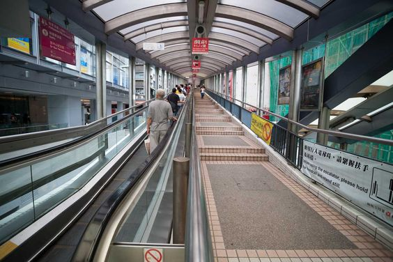 La escalera mecánica más larga del mundo está en Hong Kong y te lleva al cielo…