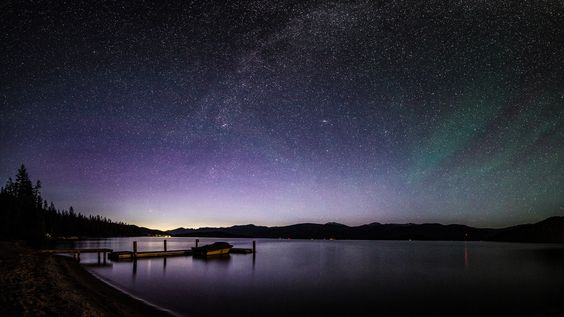 https://flic.kr/p/eKXheC | The Composition that got away | By the time I discovered this comp the northern lights and milky way were washed out. Wish I had more time to work with it.