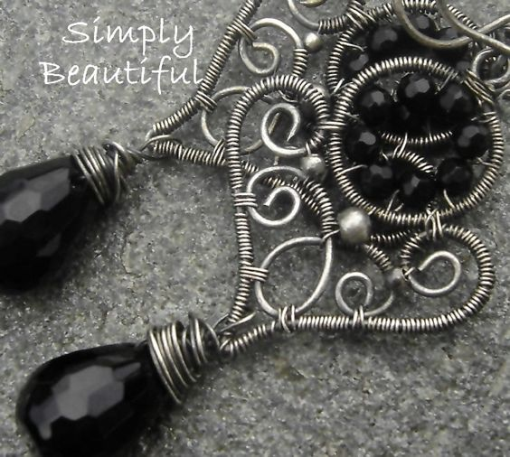 This earring are classy with a timeless design.     -Oxidized silvesr give this sterling silver a beautiful antique look   -faceted onyx briolettes an