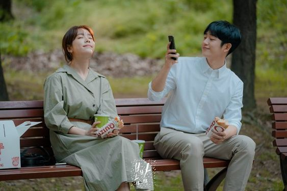 """[Photos] New Stills Added for the #kdrama """"One Spring Night"""""""