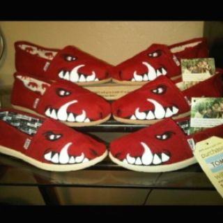 Cute painted razorback toms