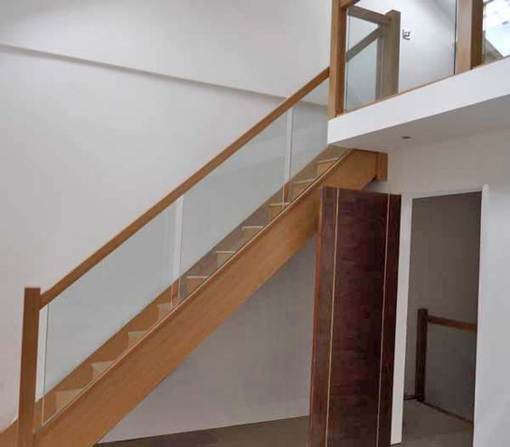 Best Oak Staircase With Glass Balustrade House Ideas 400 x 300
