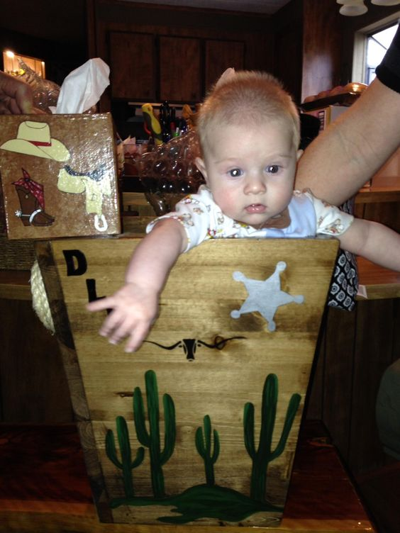 Drake!  His Western Themed Trash Can and Kleenex Box Cover made by CCCbyReta