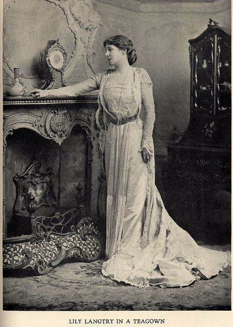 Lily Langtry in a House of Worth teagown c1890