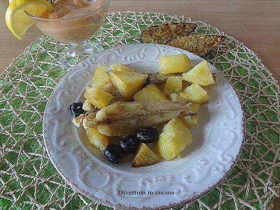 Ricetta coda di rospo con patate al forno. Ecco laricettaper preparare unsecondo di pescesemplice, gustoso e veloce.