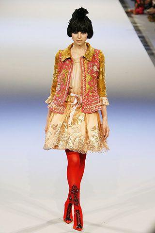 Christian Lacroix Fall 2006 Couture Fashion Show - Agniezka