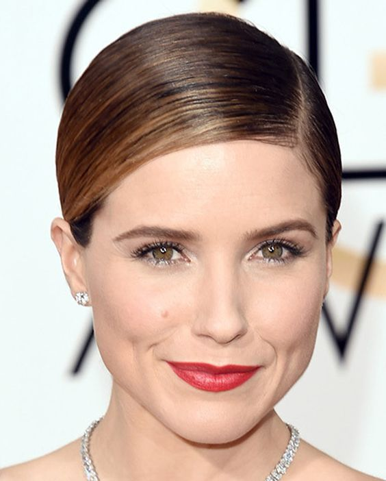 What do you think about Sophia Bush's hair and makeup look from the #GoldenGlobes red carpet?