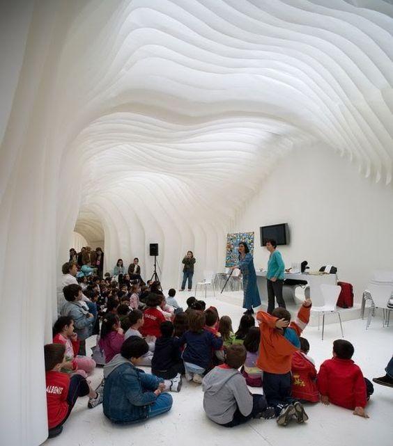 Olga Sanina + Marcelo Dantas: Ayuntamento de Madrid Book Fair Pavilion - [the belly of an architect]