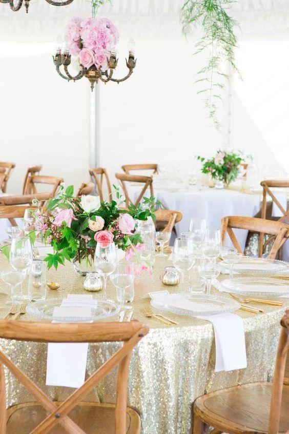 #onelovelyday #blushflorists Glam intimate wedding reception