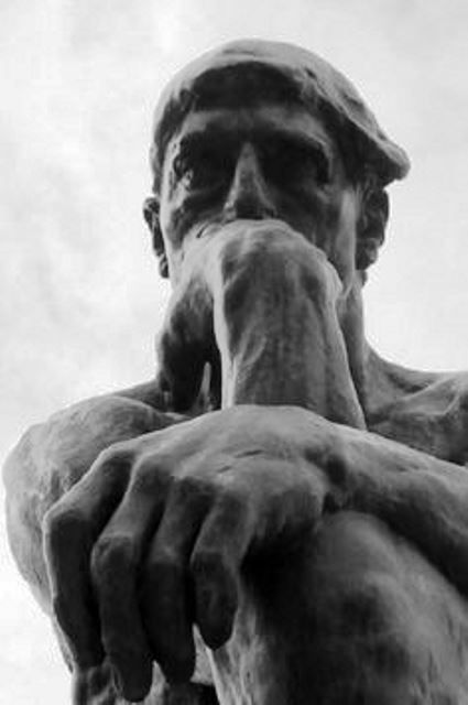 """The Thinker"" by Auguste Rodin analysis at http://www.arteeblog.com/2015/11/analise-de-o-pensador-de-auguste-rodin.html"