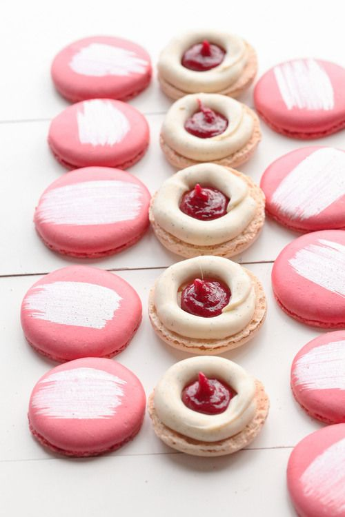 vanilla and redcurrant macaron - how to get 2 flavours inside a macaron