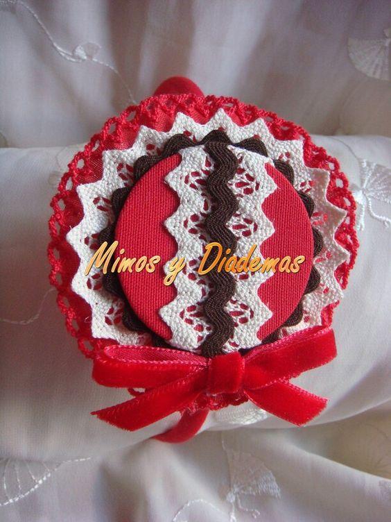 Diadema roja,  marfil y marrón ¡preciosa!