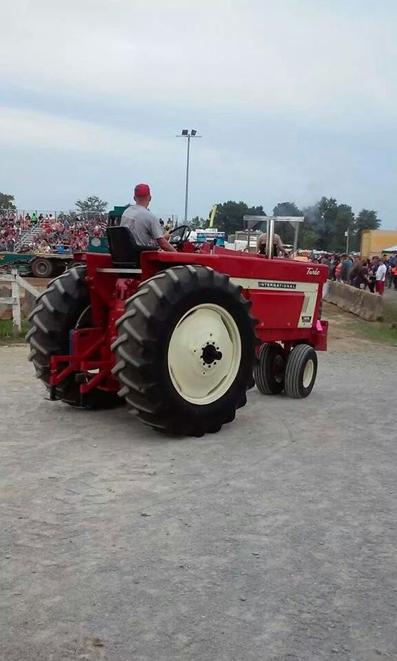 International 1466 Pulling Tractor : Ih farmall international tractors pinterest